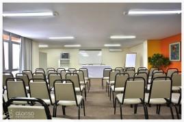 Sala de eventos. Rio Branco Apart Hotel,  Florianópolis. Fotografia de empresas