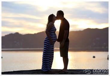 Andressa e Jonatas - Book casal na praia em Florianópolis
