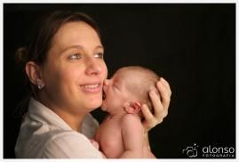 Carin e Yuri, de 13 dias no ensaio newborn no estúdio fotográfico