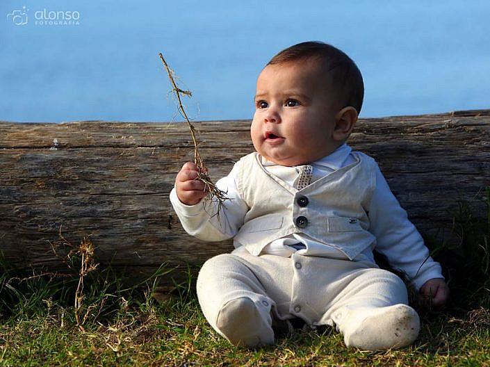 Bebê na praia no ensaio fotográfico