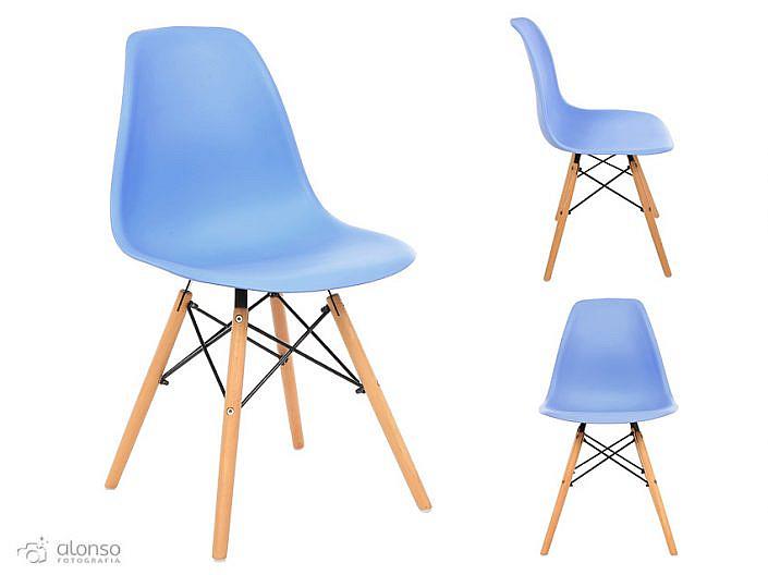 Fotógrafo de cadeiras em estúdio