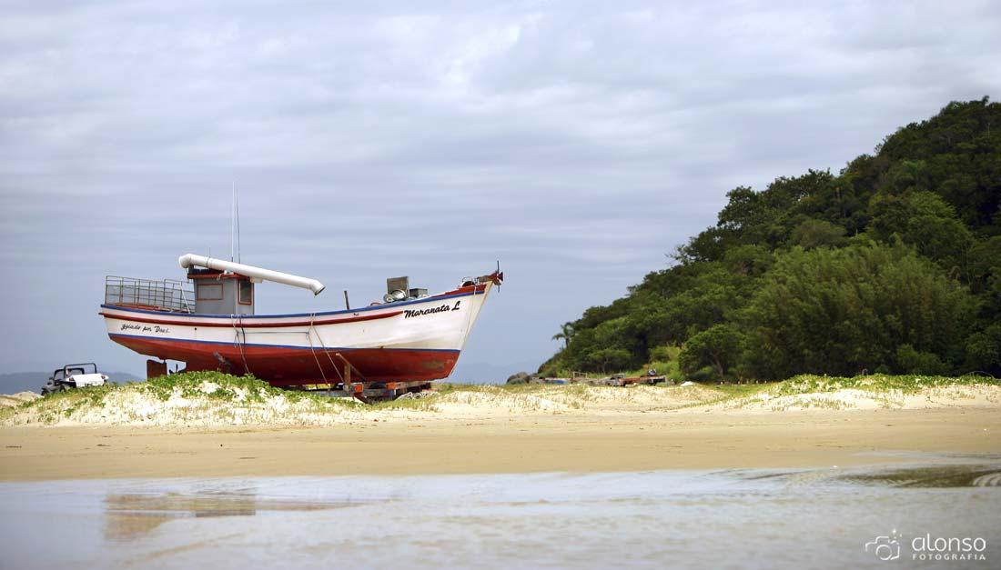 Praia Ponta das Canas em Florianópolis