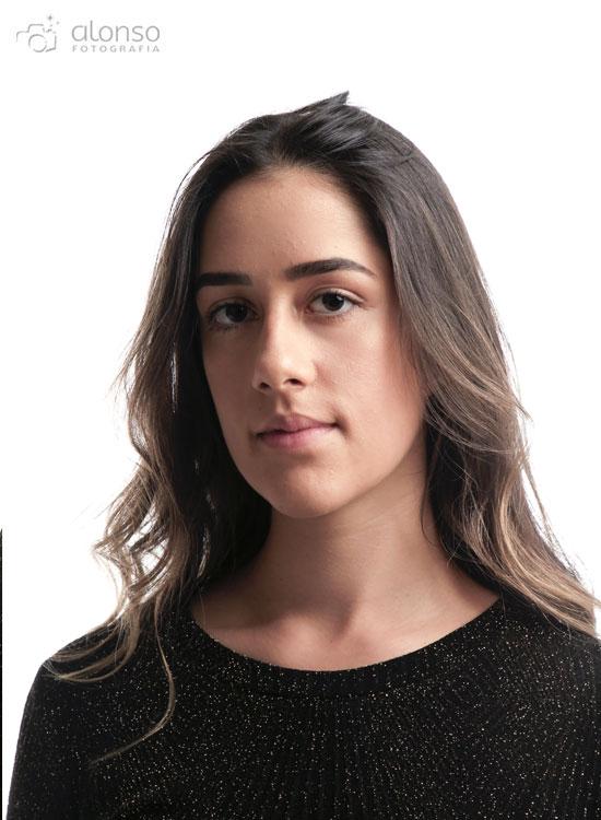 Retrato feminino em estúdio